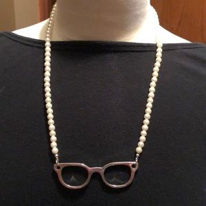 Jewelry - Glasses necklace